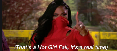 hot girl fall pic